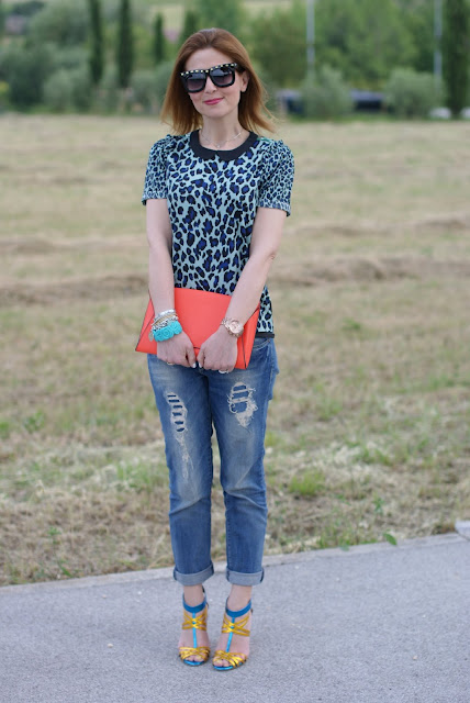 Zara orange clutch, boyfriend jeans, Fashion and Cookies