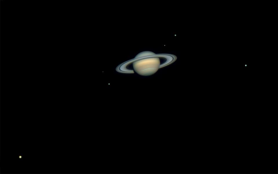 El Sofista Seis Lunas De Saturno
