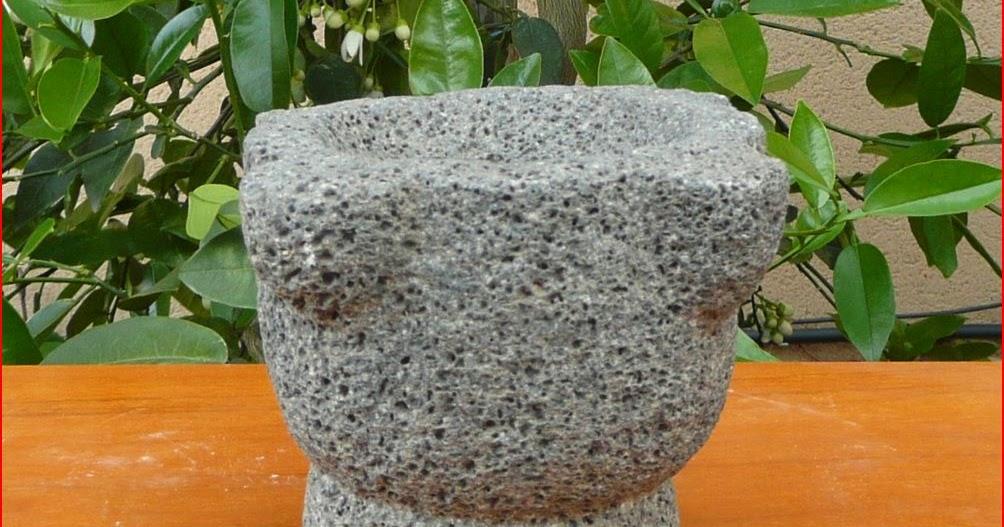 vieux outils et art populaire mortier en pierre. Black Bedroom Furniture Sets. Home Design Ideas