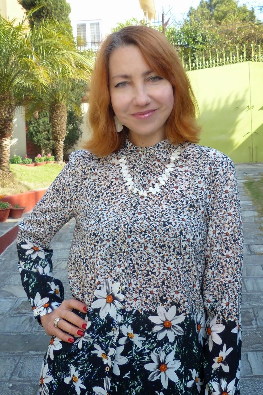 Chamomile print blouse