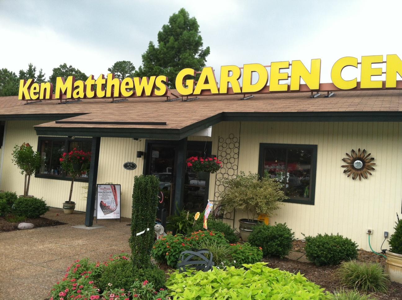 pawstcards from hampton roads ken matthews garden center dog days yorktown va