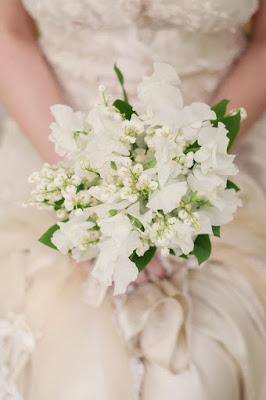 Bukiet ślubny z pachnącym groszkiem