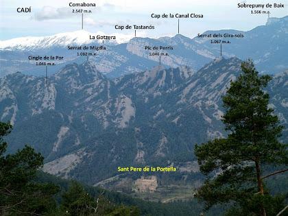 Sant Pere de La Portella en primer terme, la Serra de Picancel i la del Catllaràs al mig i el Cadí al fons de tot