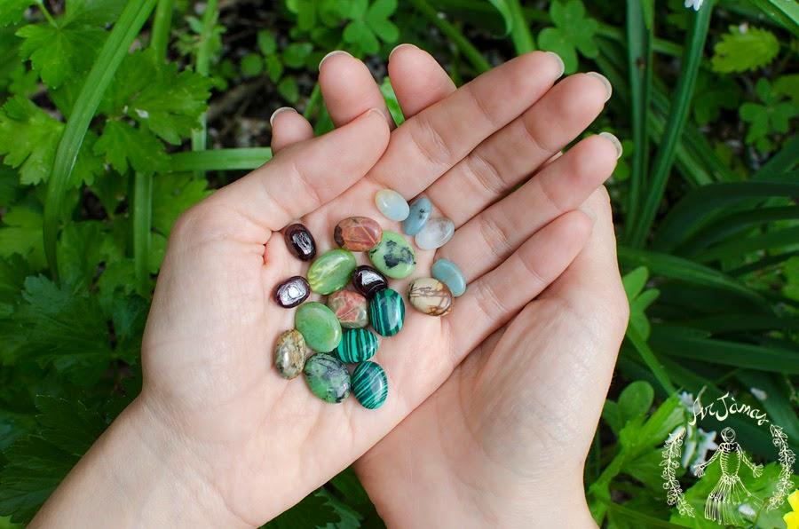 scegli la tua pietra per la collana Flora