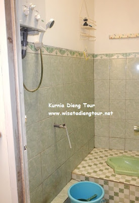 kamar mandi Homestay Batu Kelir Dieng