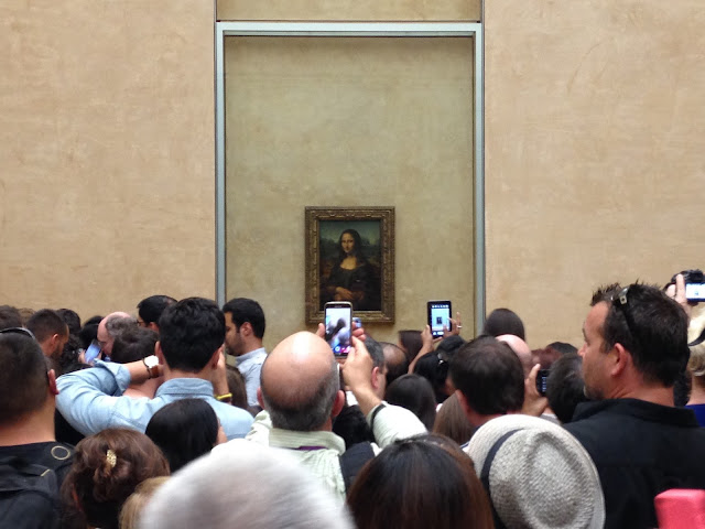 Paris day 3 visiting the eiffel tower and louvre museum with mona lisa and paparazzi