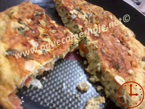 Receita de omelete com talos de couve foto