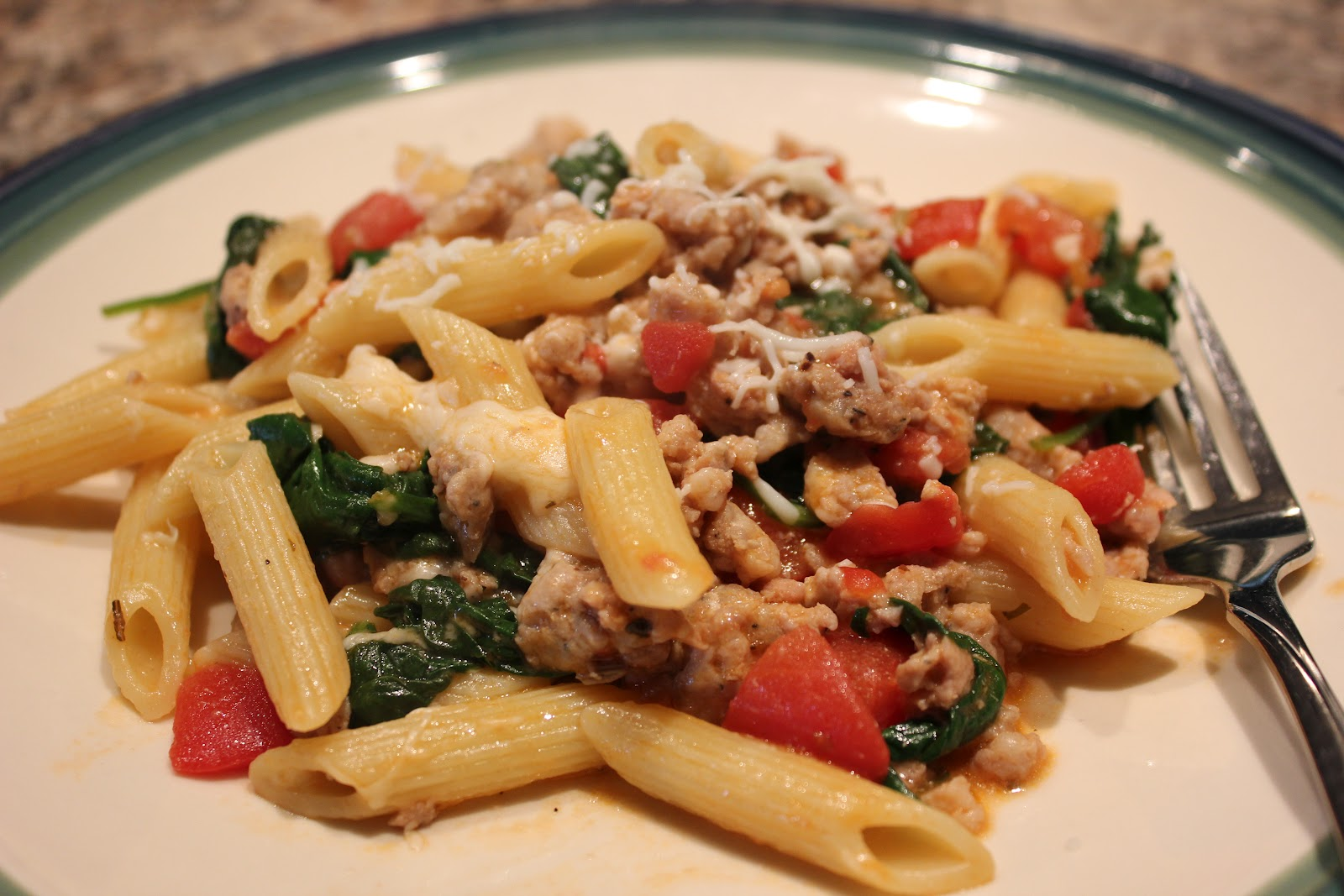 The Busy Moms' Recipe Box: Sausage, Spinach, and Tomato Pasta