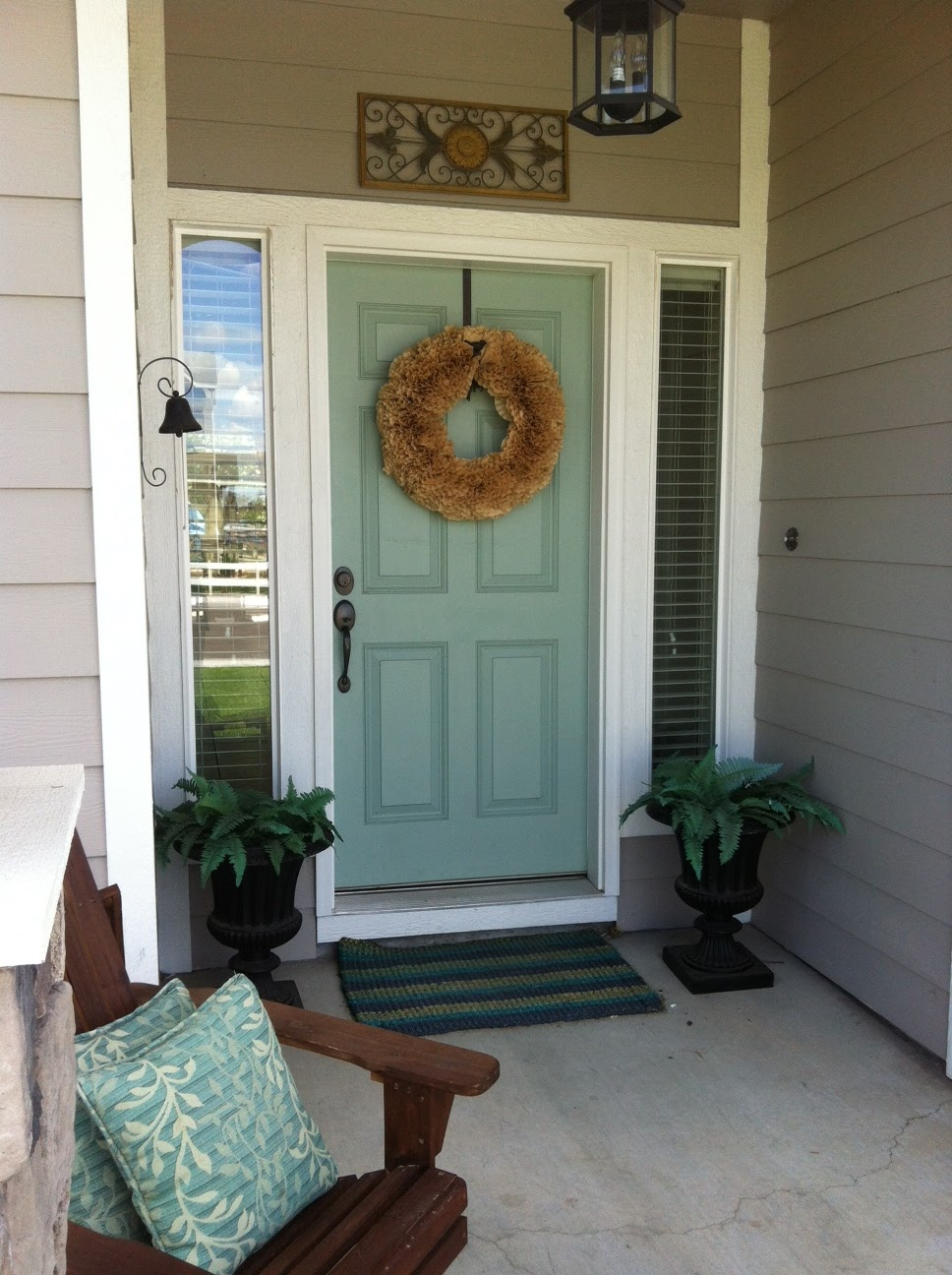 Freckle face girl shut the front door Front door color ideas for beige house