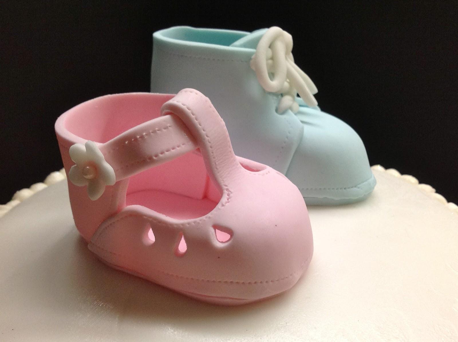 Plumeria Cake Studio: Baby Bootie Gender Reveal Cake