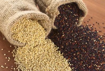 Quinoa putih dan quinoa hitam