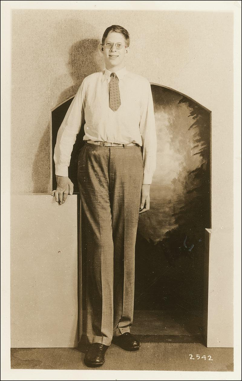 Robert Pershing Wadlow Gentle Giant And The Worlds Tallest Man