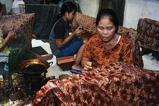 HISTORY OF CULTURE: History of Batik in Indonesia