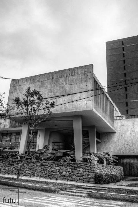 La forma moderna en latinoamerica edificio de for Casa moderna ud