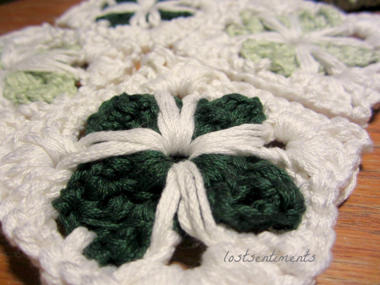 Free Amigurumi Leprechaun Pattern : Lostsentiments: cathedral motif granny square crochet free pattern
