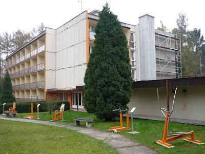 Paneláček šárka a venkovní fitness centrum pro pacienty