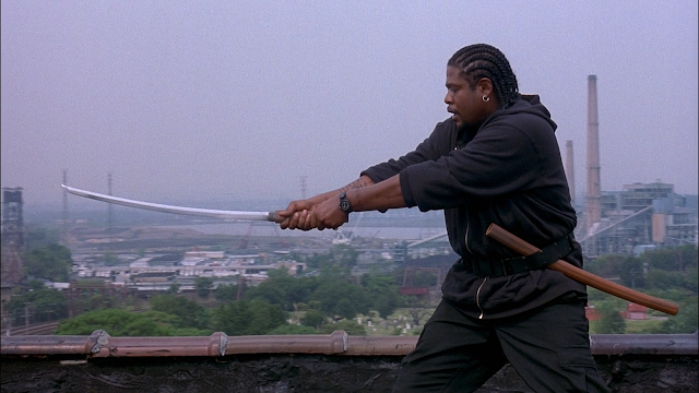 Forest Whitaker demonstrates his sandwich-slicing technique.