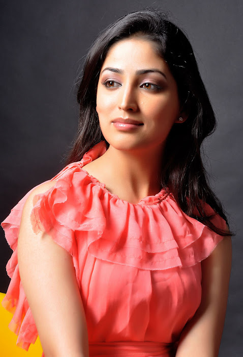 Yami Gautam new spicy latest hot for today updated