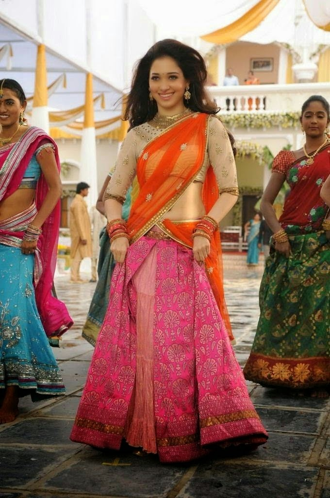 Tamanna Bhatia Navel Show in Half Saree HD Wallpapers