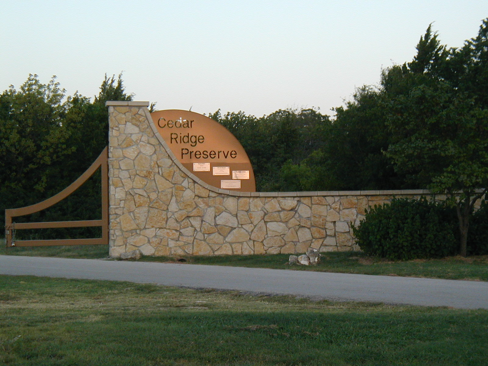 hiking american trails cedar ridge preserve duncanville tx