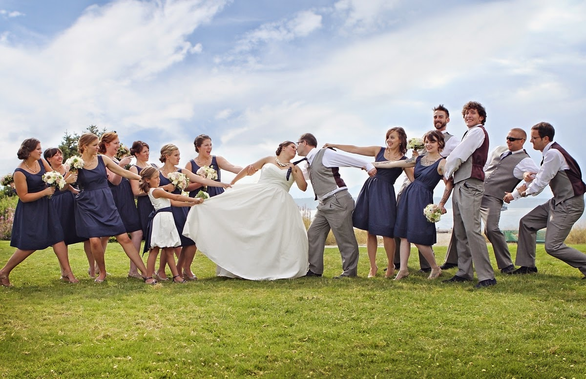 Fun wedding party photo - Patricia Stimac, Seattle Wedding Officiant