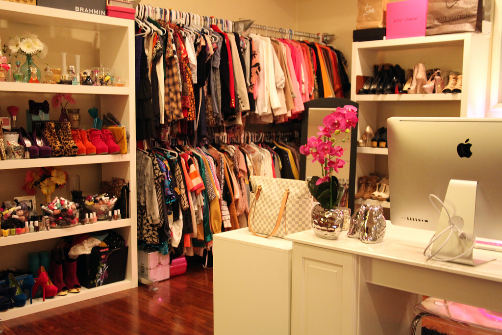 Eclectichicks how to create your own celebrity closet for Create your own closet