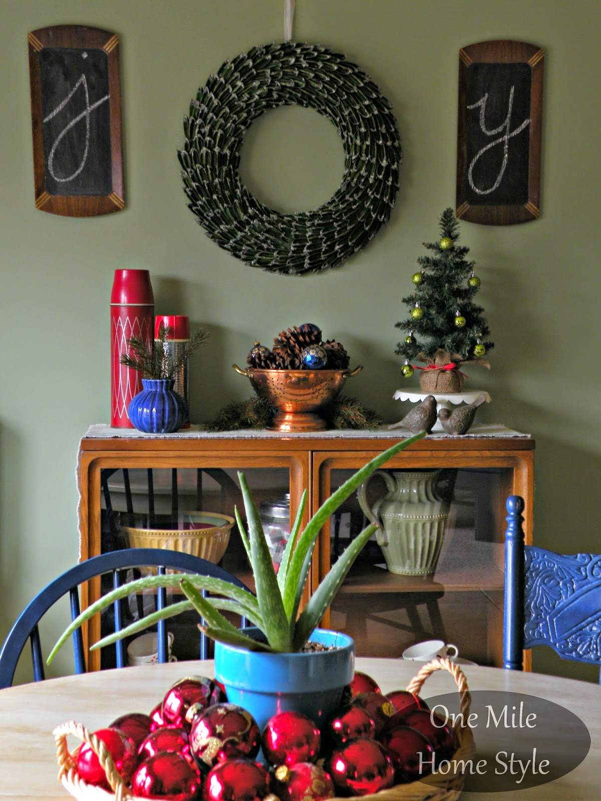 Joy chalkboard and wreath Christmas display