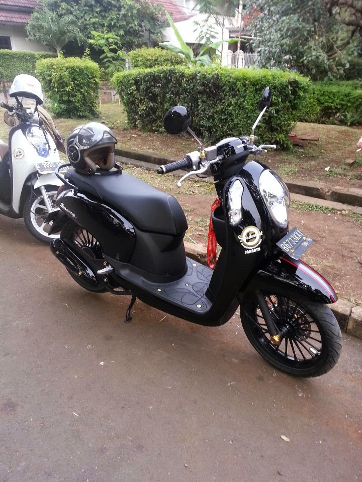 modifikasi motor honda scoopy fi metro black