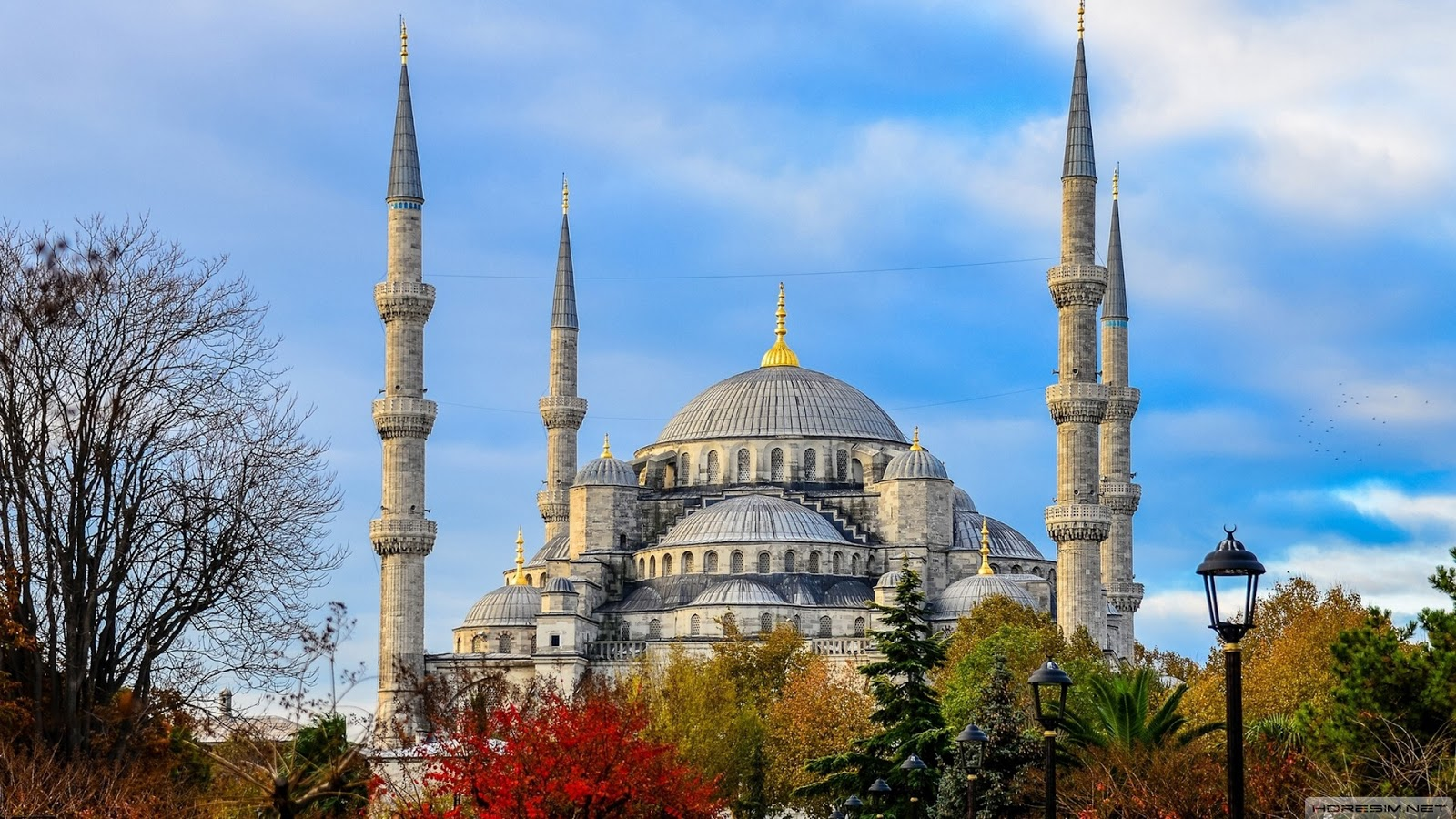 Holiday Factory: 9 Places you need to Visit in Istanbul to live the history a...