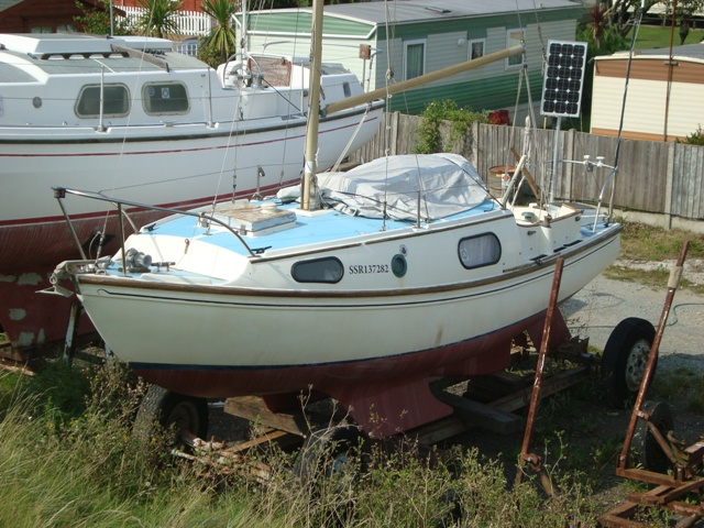 Dennis Rayner designed the GRP bilge keel Westerly 22.