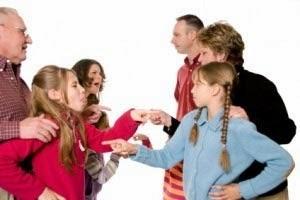 Revoli Ilmiah - Konflik Keluarga