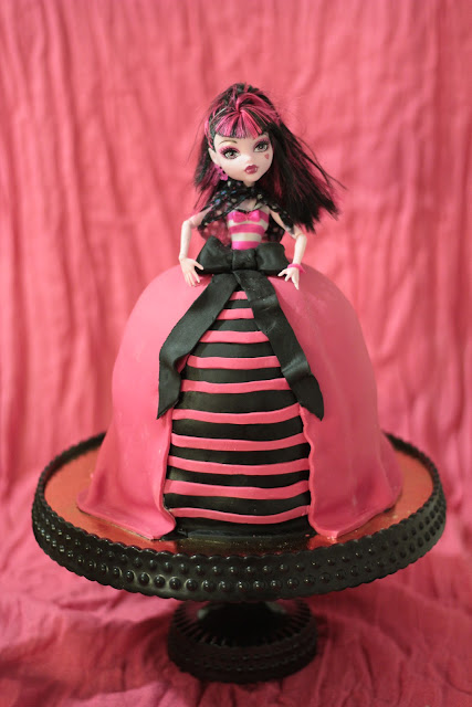 Monster High Draculaura kakku