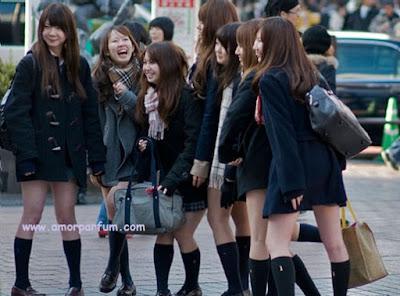 Wanita Jepang Saat Sekolah