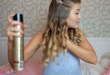 NEW TUTORIAL ♡ How to curl your hair with straighteners...