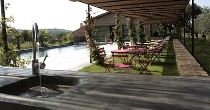 Cemento pulido en las zonas exteriores y piscinas for Cemento pulido exterior