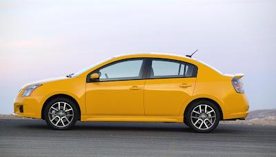 2012 Nissan Sentra SE-R Wallpaper