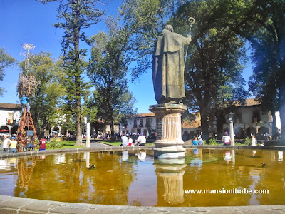 Plaza Vasco de Quiroga the day of the 479 Aniversary of Pátzcuaro