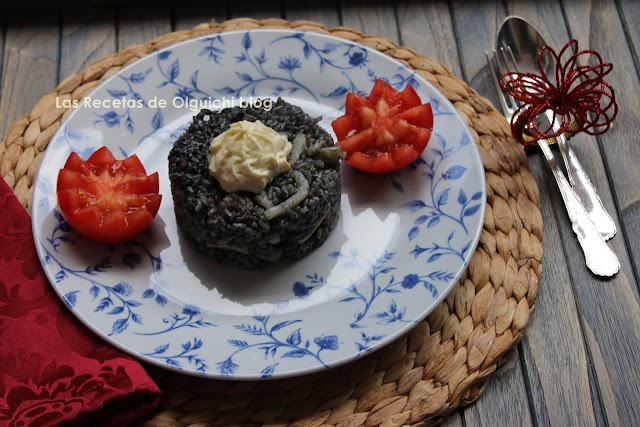 ARROZ NEGRO CON ALL I OLLI / ARROS NEGRE AMB ALL I OLLI