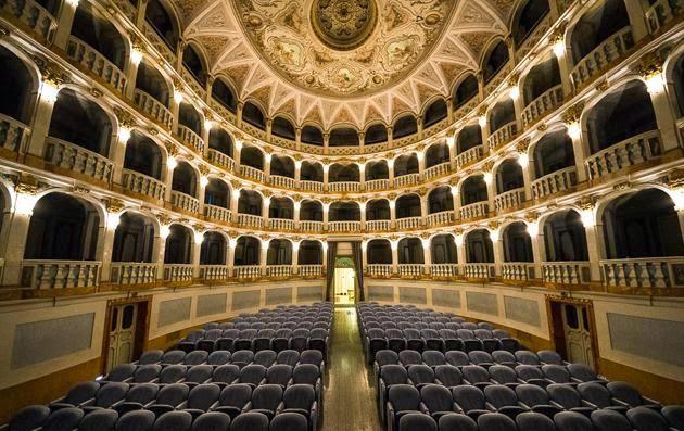 La Regione dei Cento Teatri