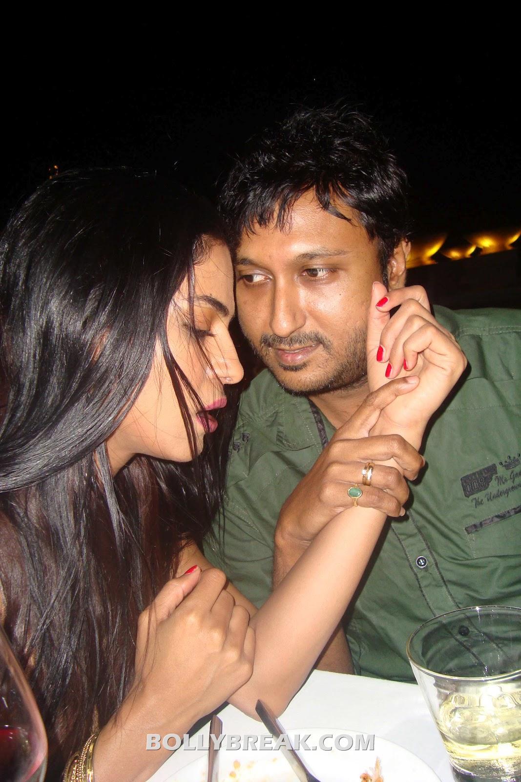 Veena Malik Hemant Madhukar  -  Veena Malik Hemant Madhukar Leaked Private Pics