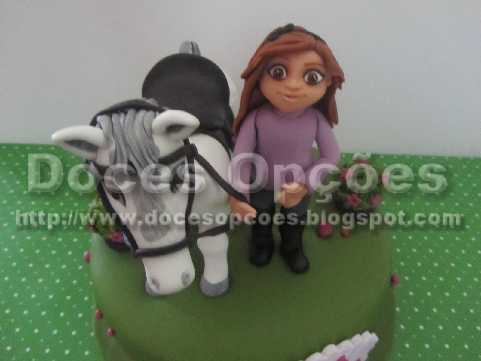 menina e cavalo pasta açucar