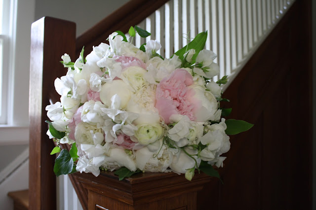 Saratoga National Golf Club Wedding Pictures - Bride's Bouquet - Splendid Stems - Wedding Flowers