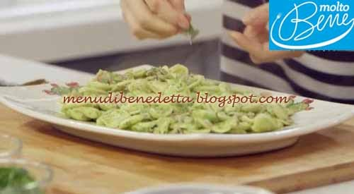 Strascinati con triglie e pesto di acciughe ricetta Parodi per Molto Bene su Real Time