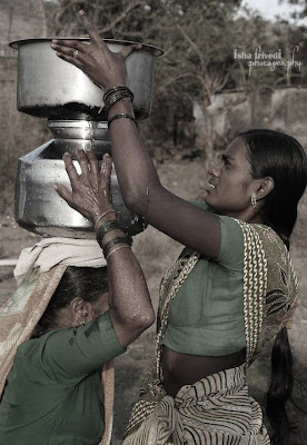 """Helping Hands - clicked by """"Isha Trivedi"""""""