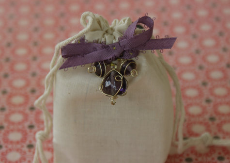 DIY Wedding Favor Gift Bag Craft Project - DIY Wedding Favor Idea