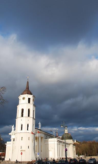 Vilnius - Catherdal - Vilniaus katedra - katedros bokstas - tower - old town - senamiestis