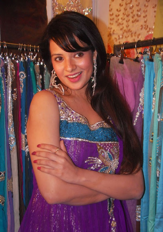 Saloni Latest Hot Stills From Desire Exhibition Saloni New Hot Photos glamour images