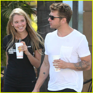 Ryan Phillippe Girlfriend