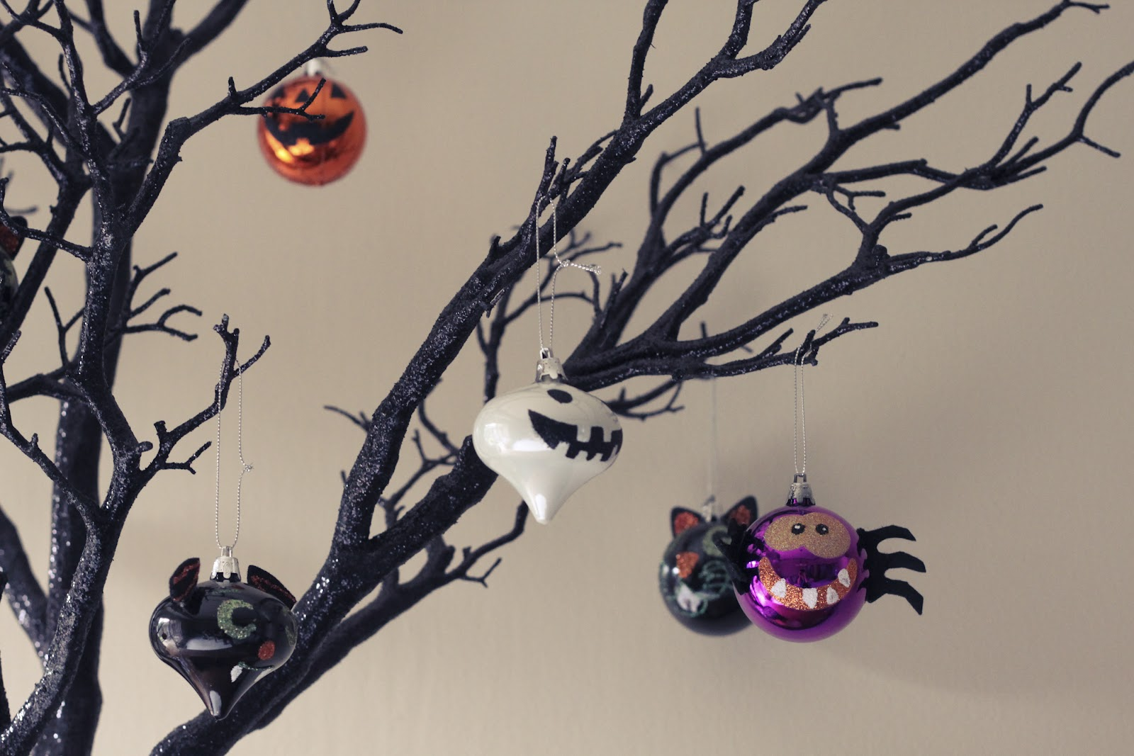 we havent done a thing to our dining room since we moved in but its at the top of my list so hopefully ill be posting some before pics of it soon - Target Halloween Tree