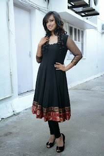 Actress Spoorthi Picture Gallery in Black Salwar Kameez at Pokkiri Mannan Audio Launch  0014
